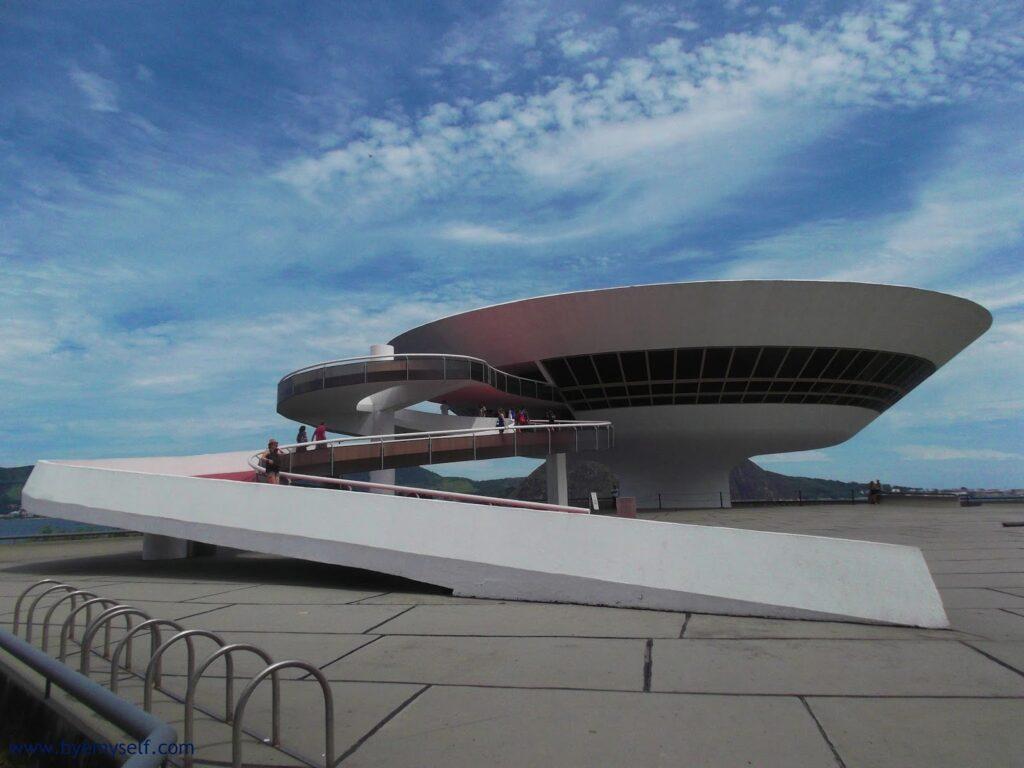 the Museum of Contemporary Art in Niterói