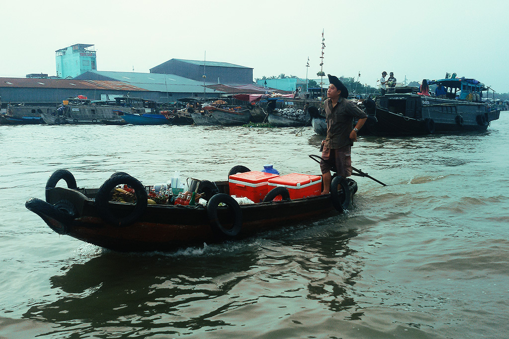 A sampan on the Can Tho river.