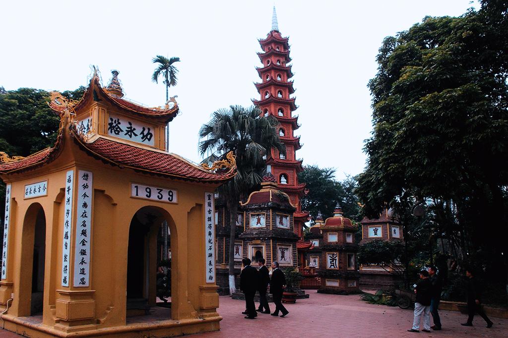 Chùa Trấn Quốc in Hanoi