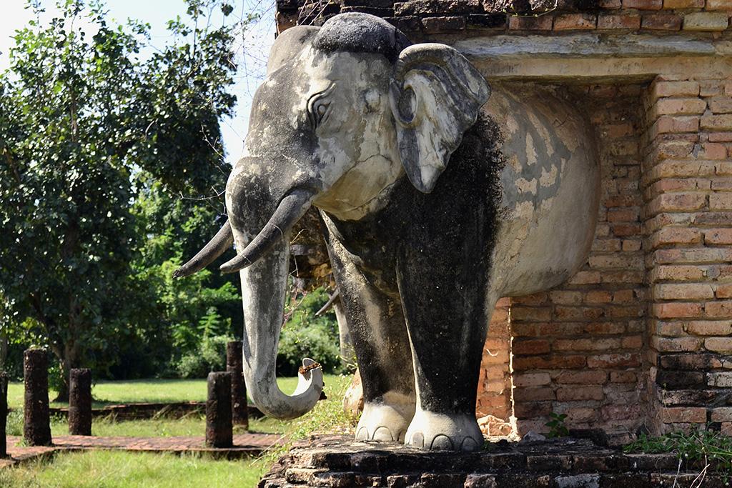 Wat Chang Lom in Sukhothai