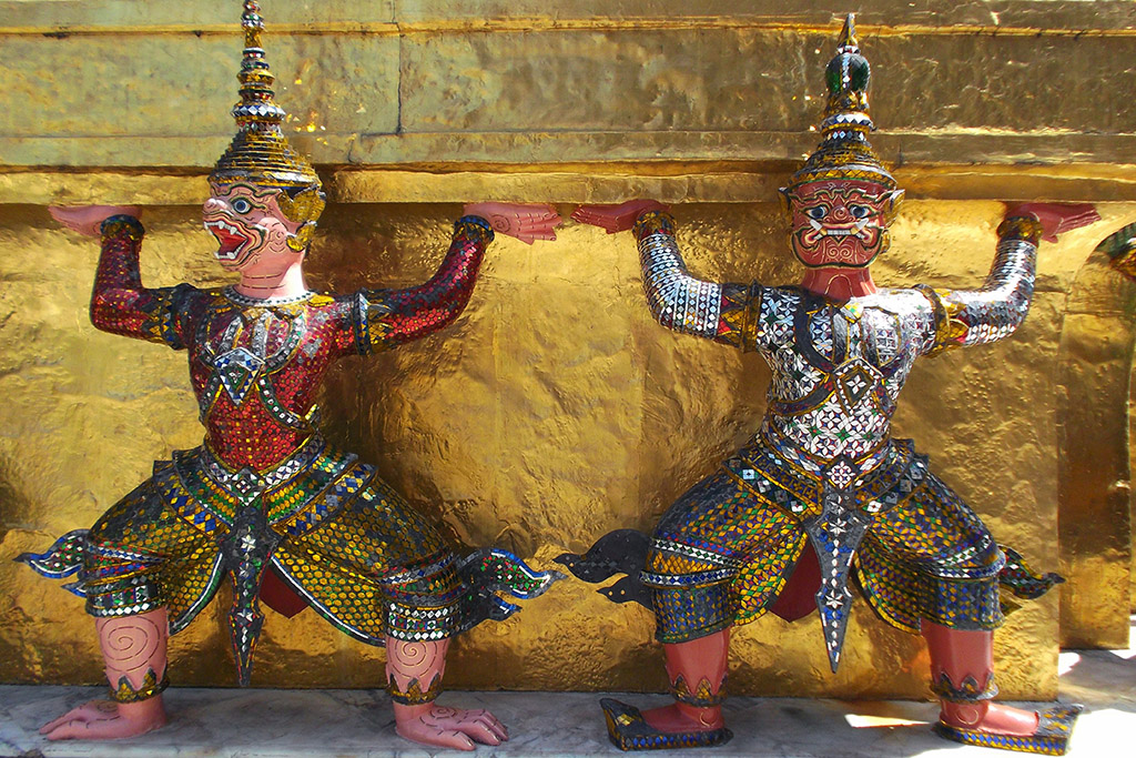 Yak demons at Wat Phra Kaeo