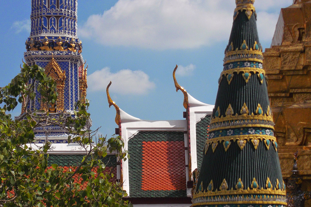 Different structures at Wat Phra Kaeo