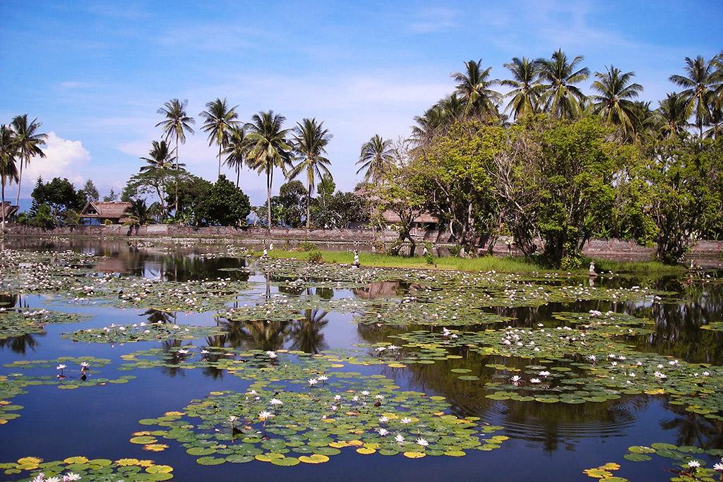Candi Dasa on Bali, Indonesia 's Island of Gods