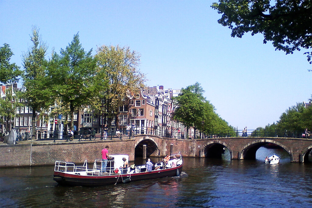 Boattrip on a Gracht during 24 hours in Amsterdam