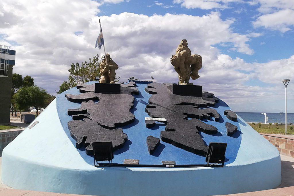 Monument to Fallen in Malvinas Monumento a Caídos en Malvinas