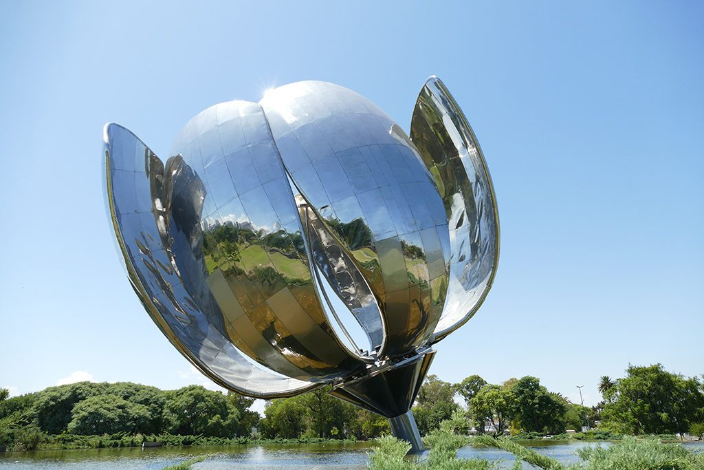 Floralis Genérica, an imposing 20 meters high sculpture designed by Argentine architect Eduardo Catalano.