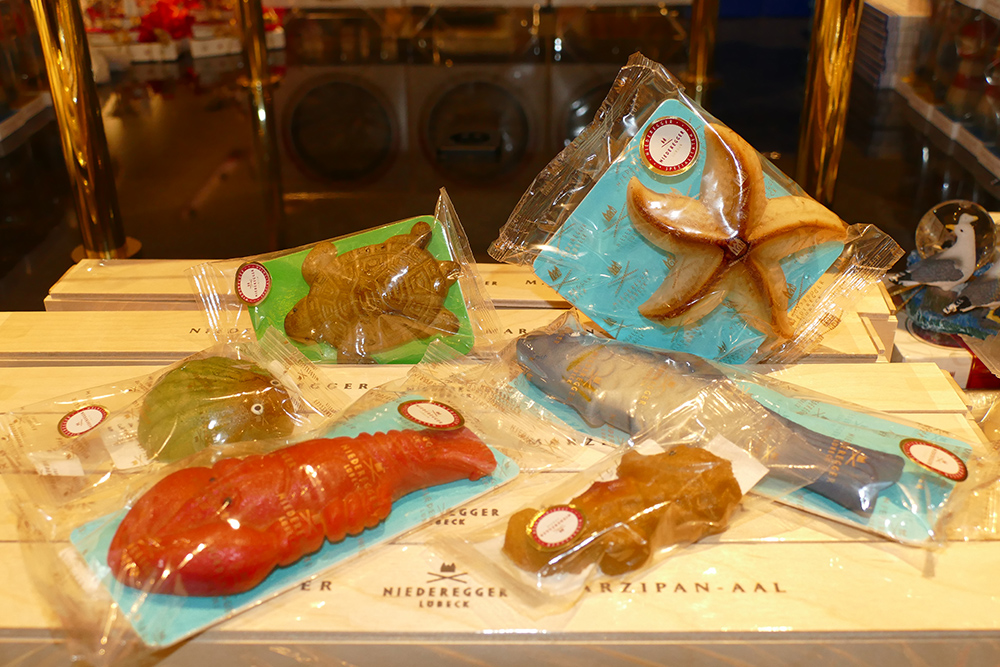Fish and Shellfish made of Marzipan at the Niederegger