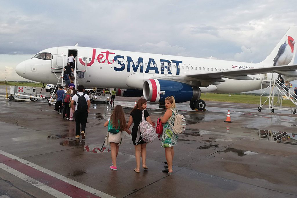 JetSmart plane from Buenos Aires to Bariloche