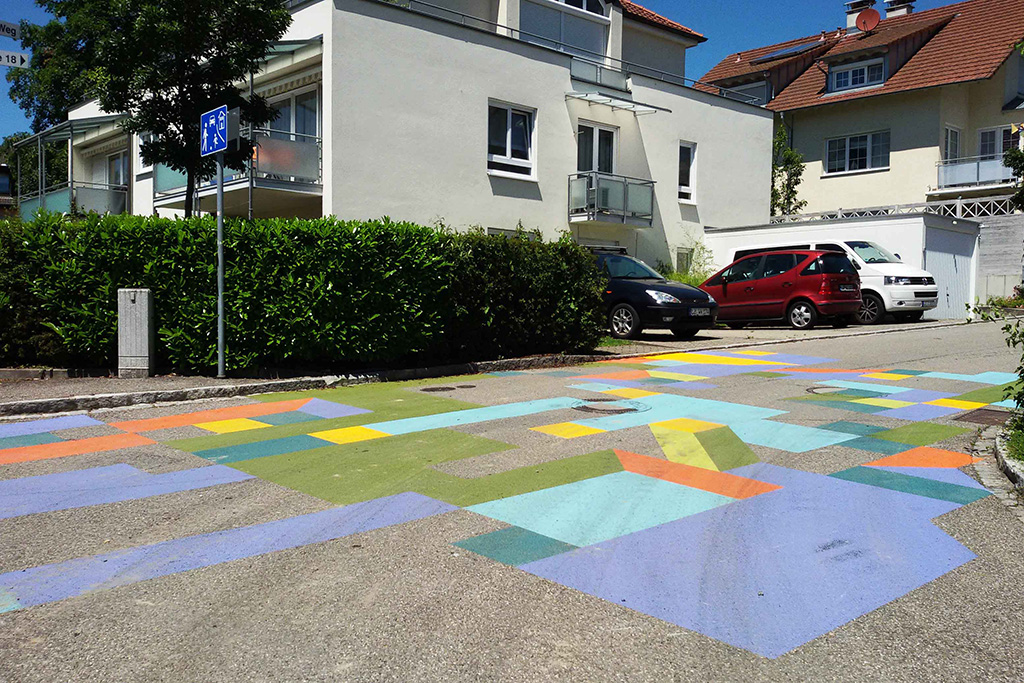10. Travail au sol - some fabulous artwork on the ground.