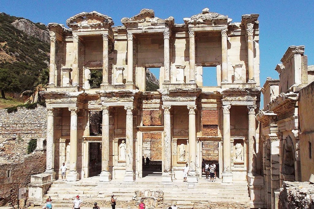 The Ephesus Library from 92 A.D.  One of Turkey's amazing places to visit during language learning in Izmir.