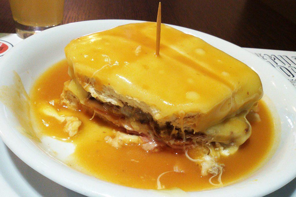 The pride of Porto's cuisine: Francezinha.