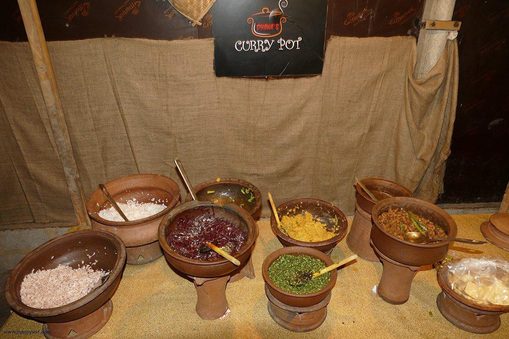 Curry Buffet in Mirissa