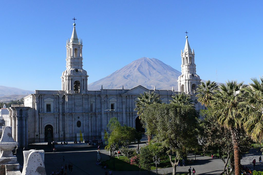The magnificent Cathedral of Arequipa with the Volcano Misti in the backdrop. Included in the guide to Arequipa and the Colca Canyon.