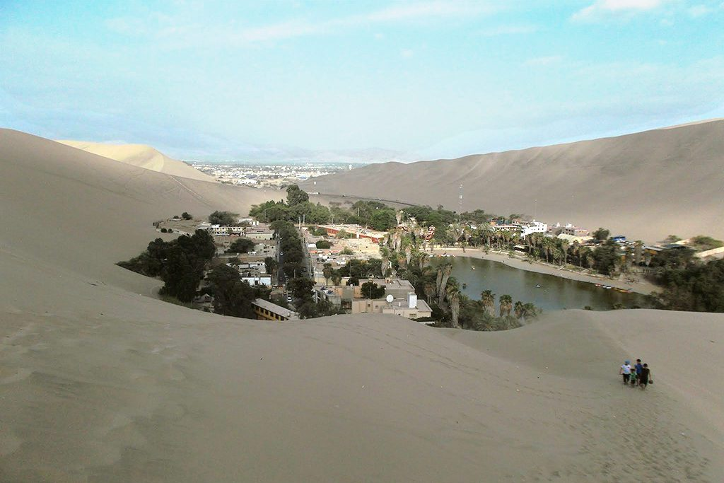 View of the oasis of Huacachina.