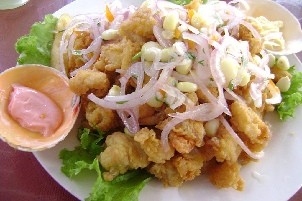 Jalea mixta: Crispy battered pieces of fresh fish.