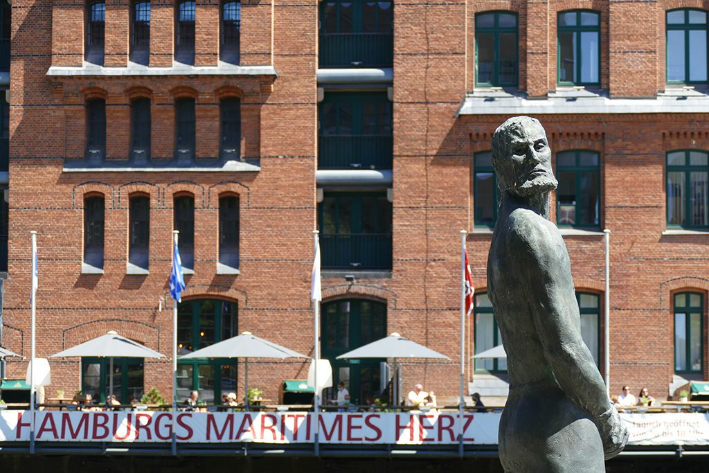 Störtebeker-statue in front of the Maritim Museum.
