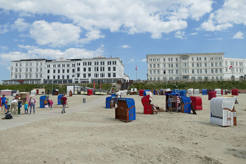 hotels along the beach of borkum