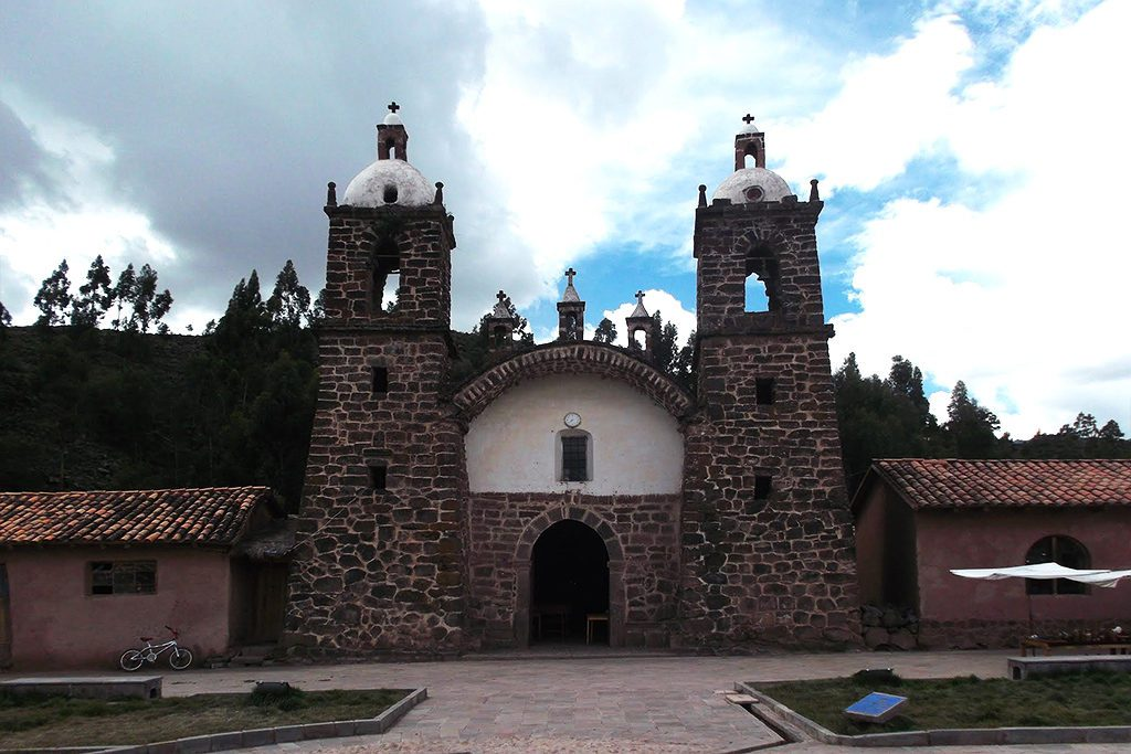 San Pedro de Cacha in Raqchi