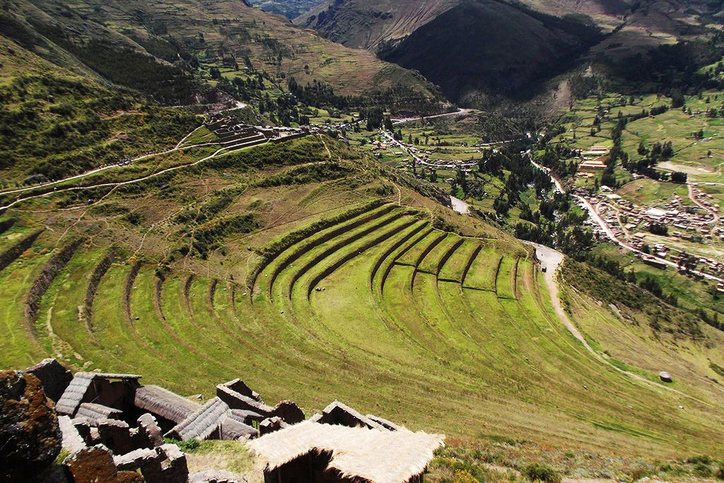 Fields on terraces around Písac.