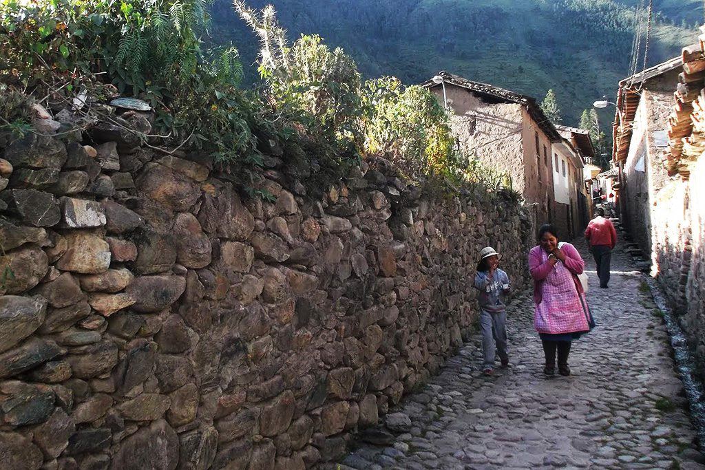 Alley in Ollantaytambo
