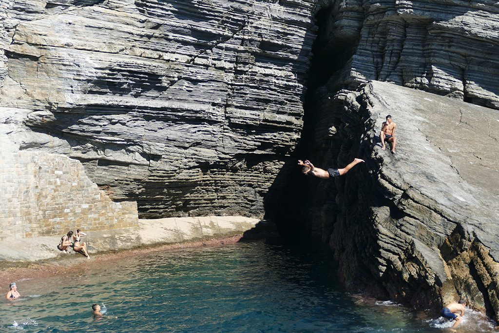 guys are jumping headfirst from cliffs.