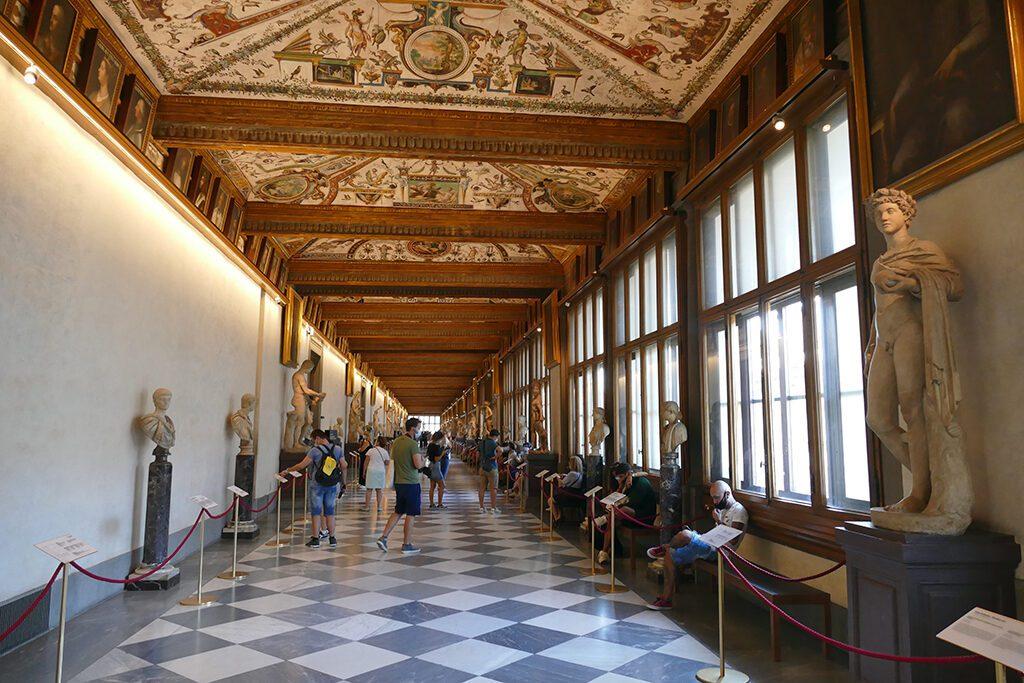 Entrance hall of the Uffizi