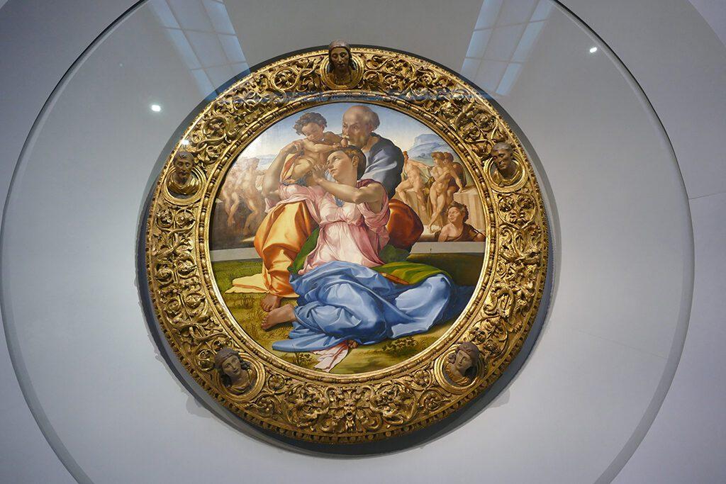 Doni Tondo painted by Michelangelo Buonarotti in 1507