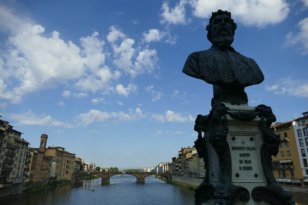 Benvenuto Cellini bust on the west side of the Ponte Vecchio