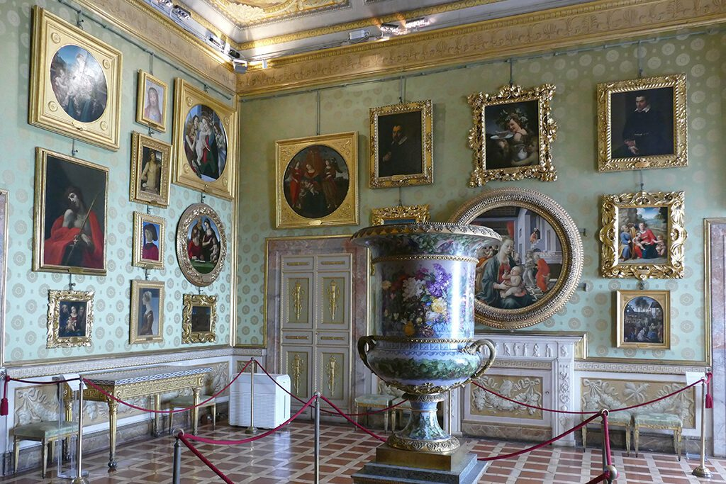 Sala di Prometeo with paintings by Boticelli, Lippi, Guido Reni and other great masters at the Palazzo Pitti