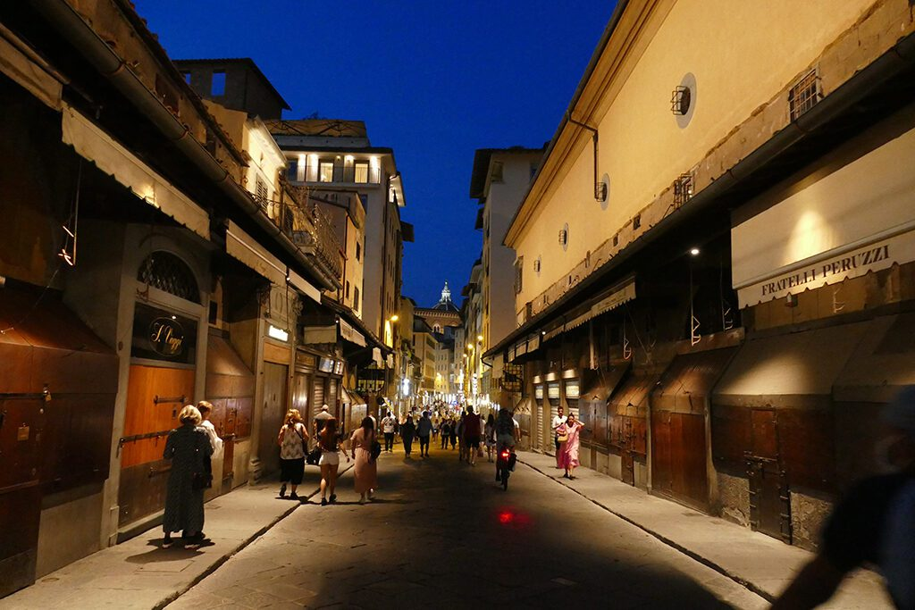 Ponte Vecchio in Florence - Home of the Medici, Cradle of the Renaissance
