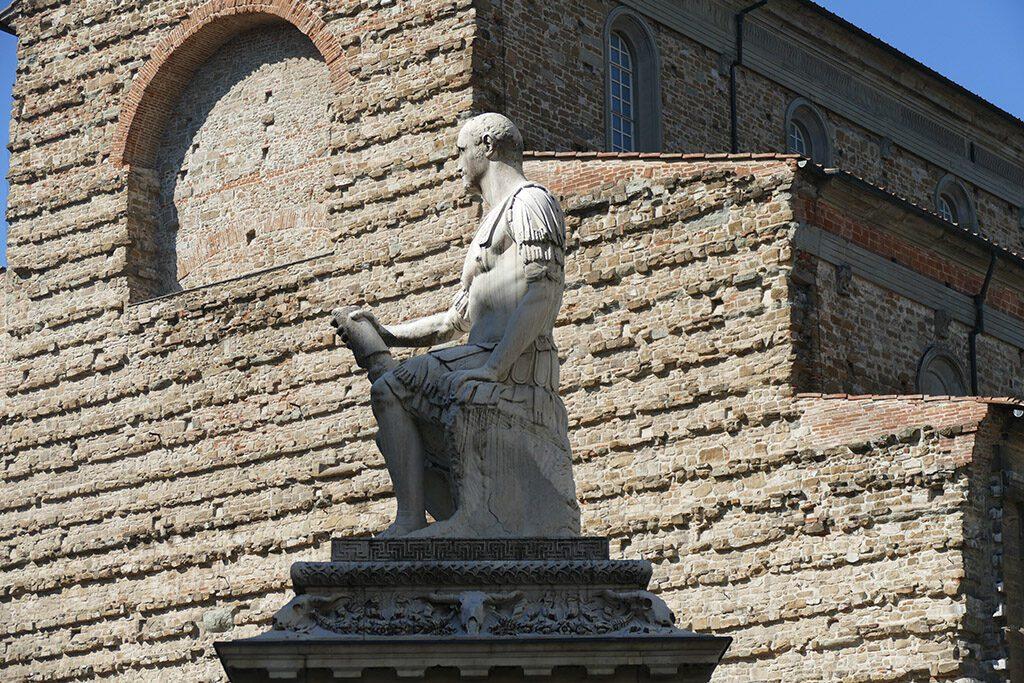 Baccio Bandinelli's statue of Giovanni delle Bande Nere in front of the Basilica di San Lorenzo in Florence.