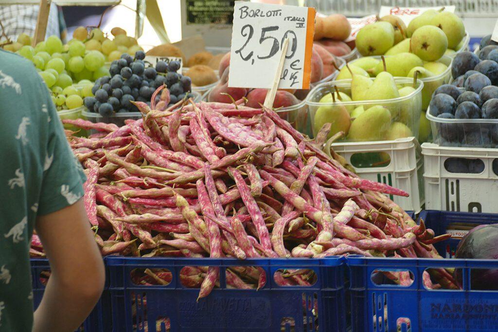 Cranberry beans on a farmers market in La Spezia