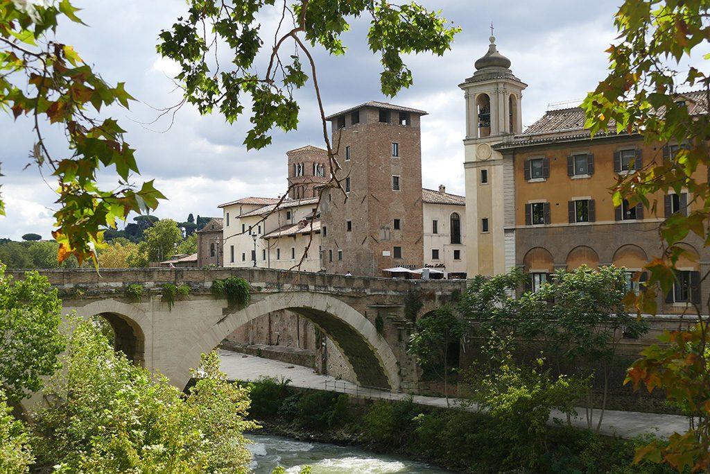 Rome's oldest bridge, the Ponte Fabricio.