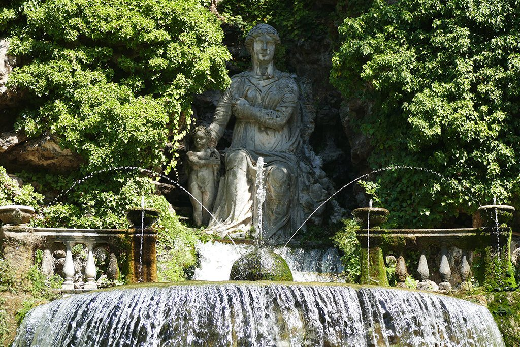 Fontana dell'Ovato or Tivoli Fountain