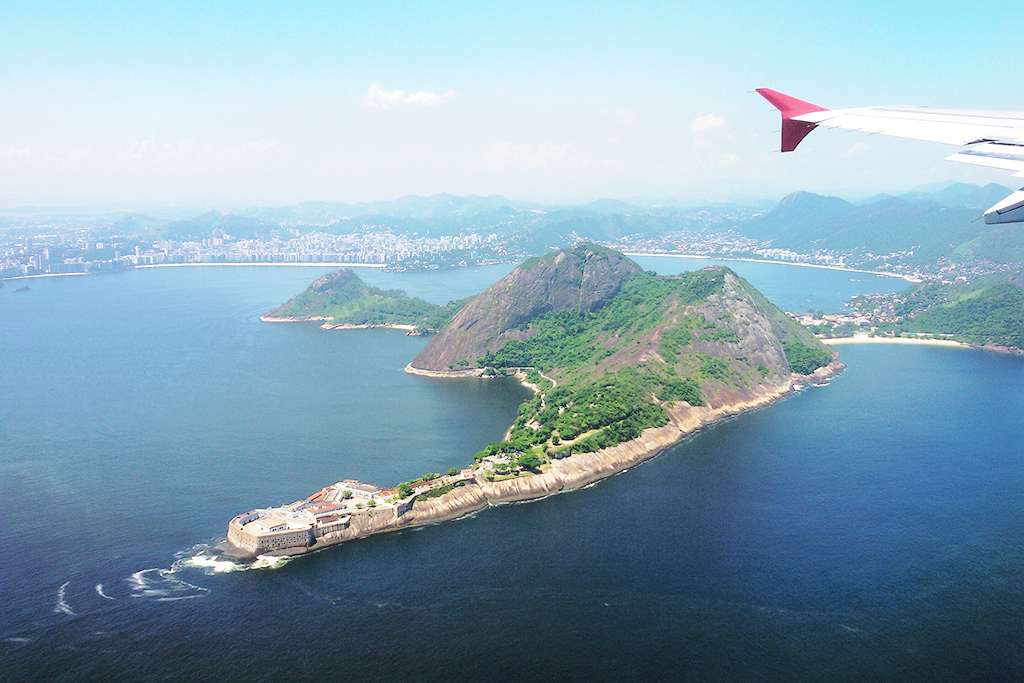 On the flight from Rio de Janeiro to Belo Horizonte.