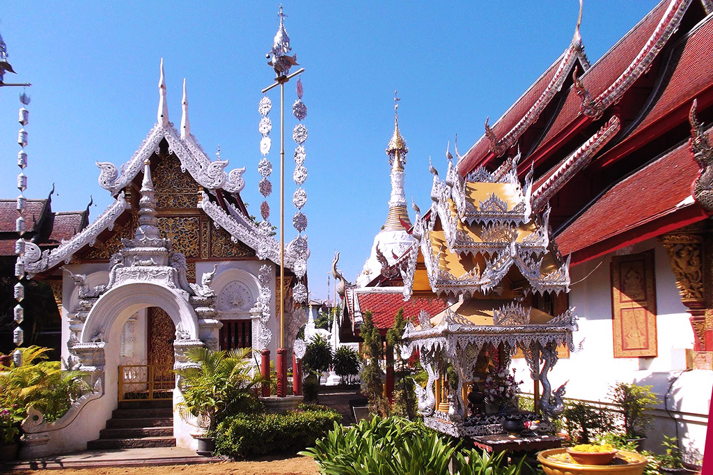 Wat Mahawan, one out of 200 of Chiang Mai's glorious temples.