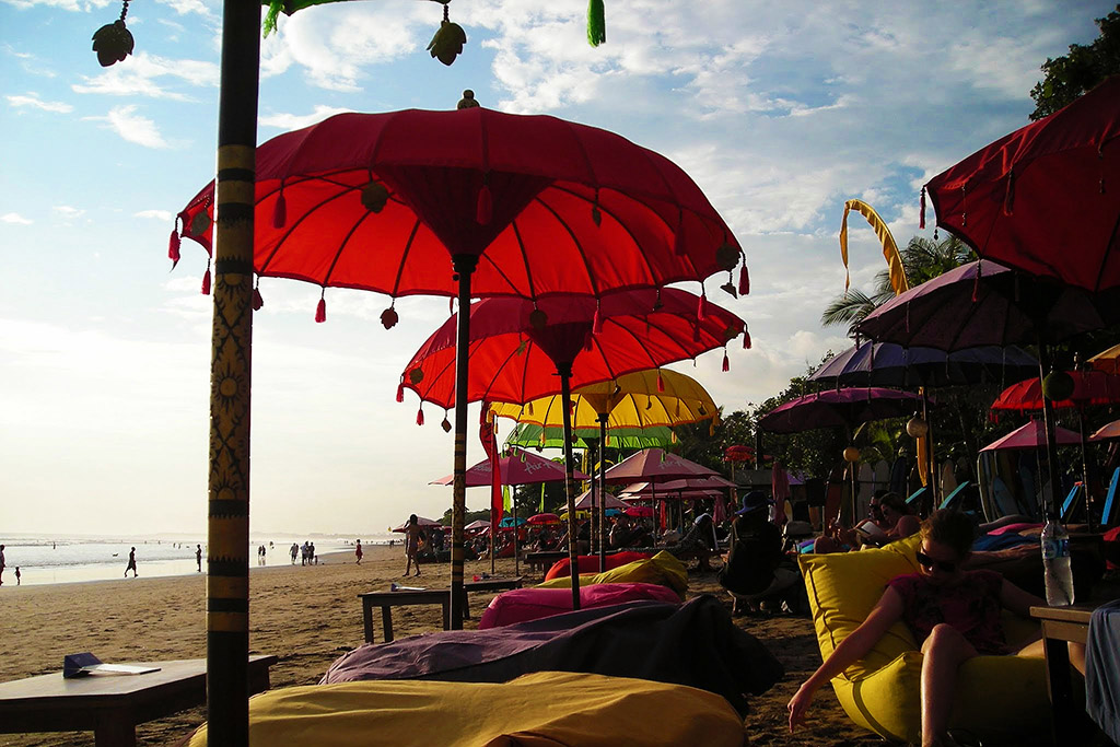 Beach of Legian on Bali, Indonesia 's Island of Gods