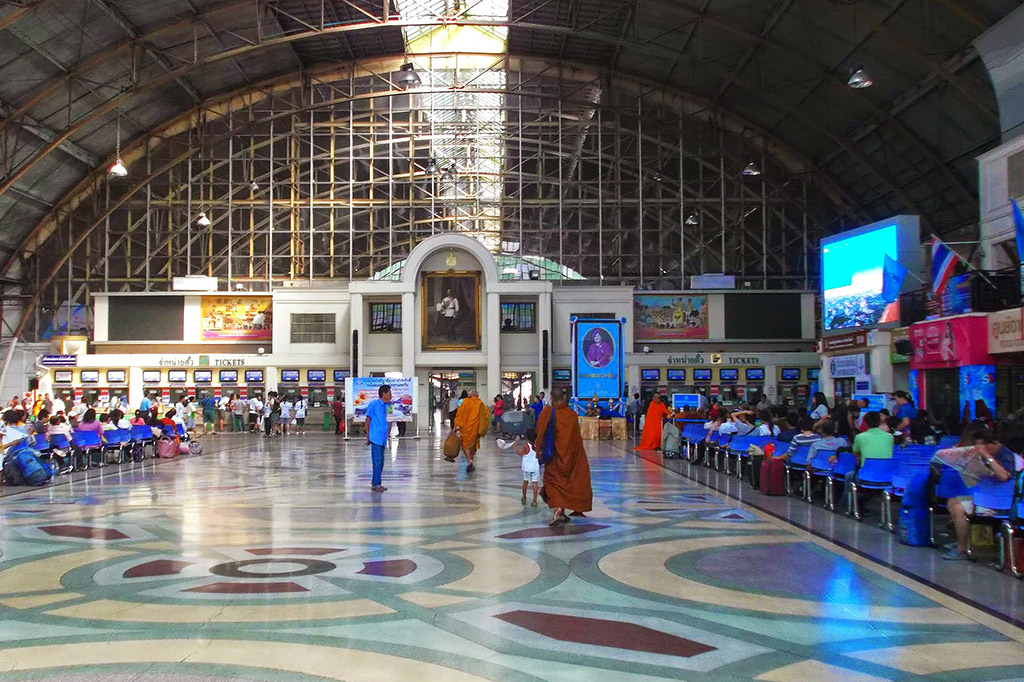 Hua Lamphong train station in Bangkok
