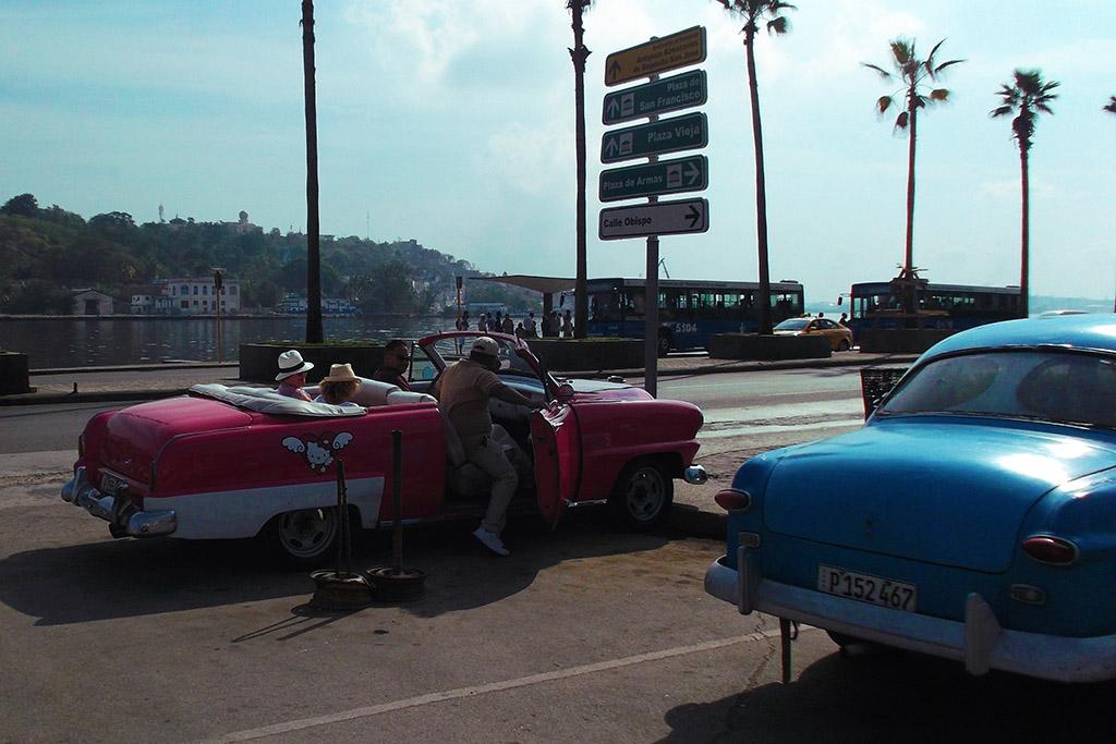 Old Cuban car with hello kitty-motive