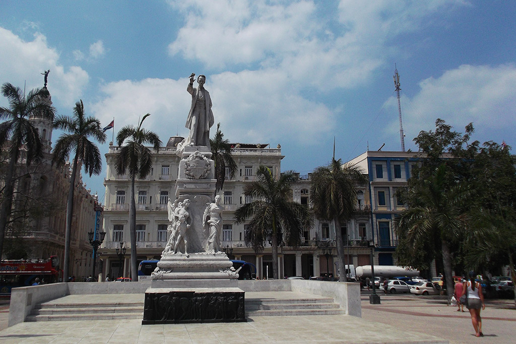 Statue of Jose Martí at the Parque Central
