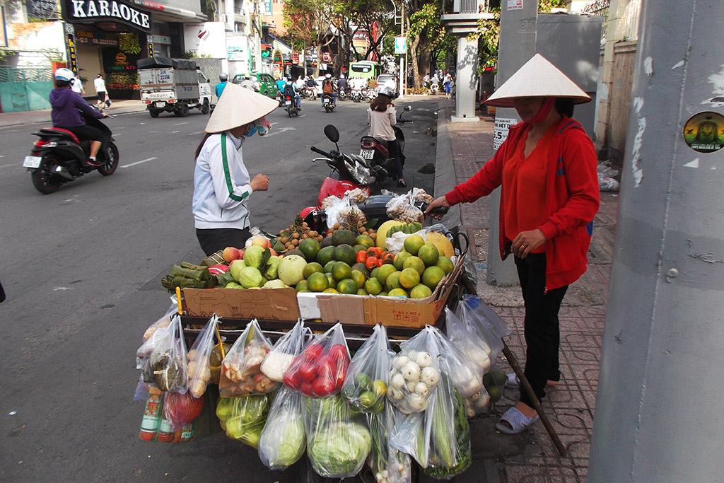 Streetvendors in Ho Chi Minh City