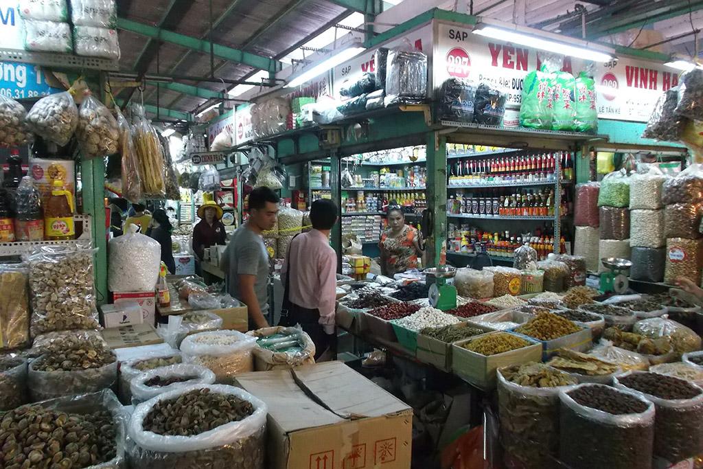 Bình Tây Market in Hồ Chí Minh City's Chinatown Chợ Lớn