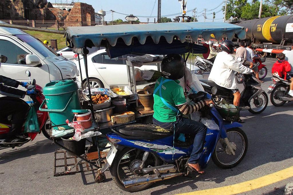 Food stall on a bike in Lopburi