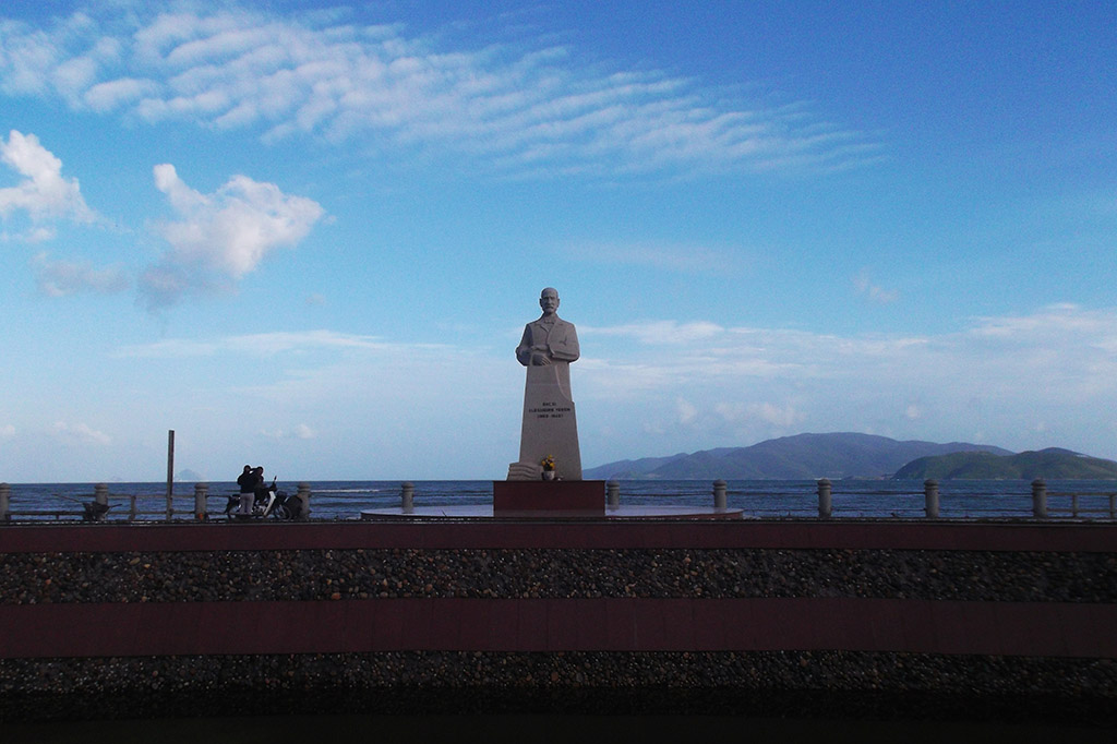 Statue of Nha Trang's honorary citizen Alexander Yersin close to the beach.