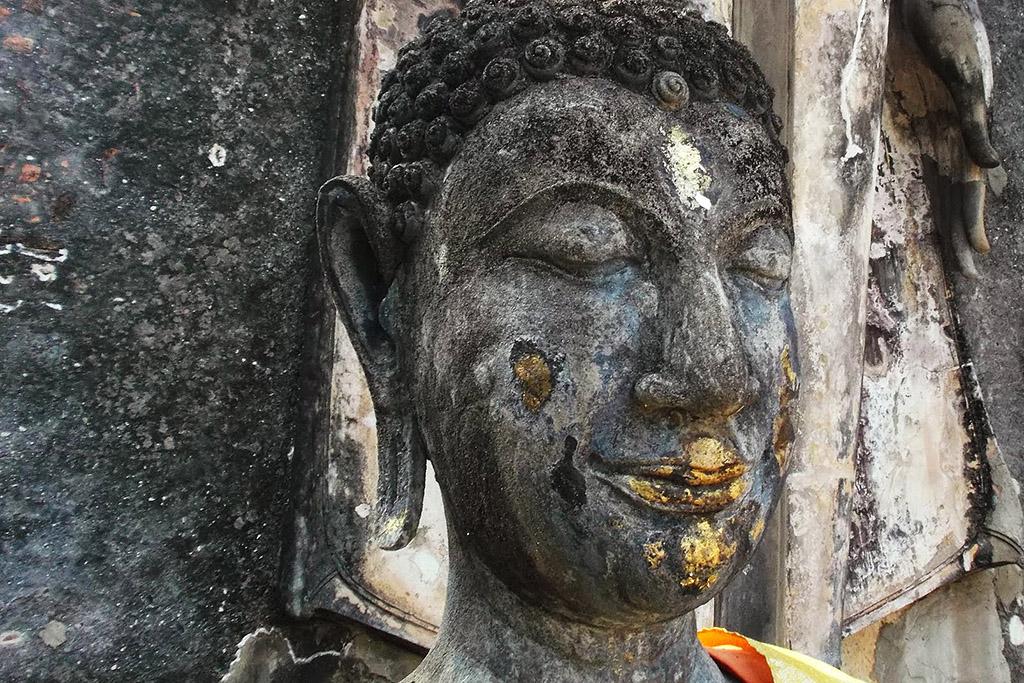 Buddha at Wat Saphan Hin in Sukhothai.