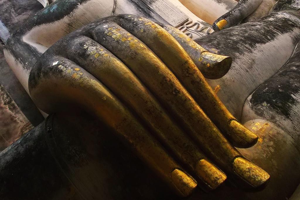 Buddha's hand at Wat Si Chum