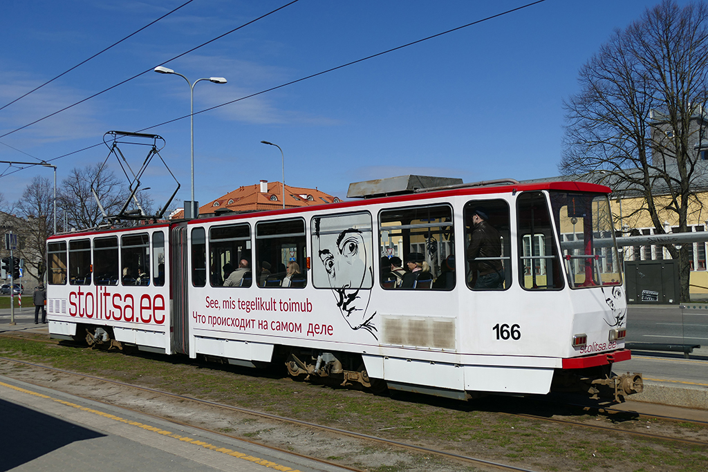 Tram in Tallinn, the city between the poles of history and creativity