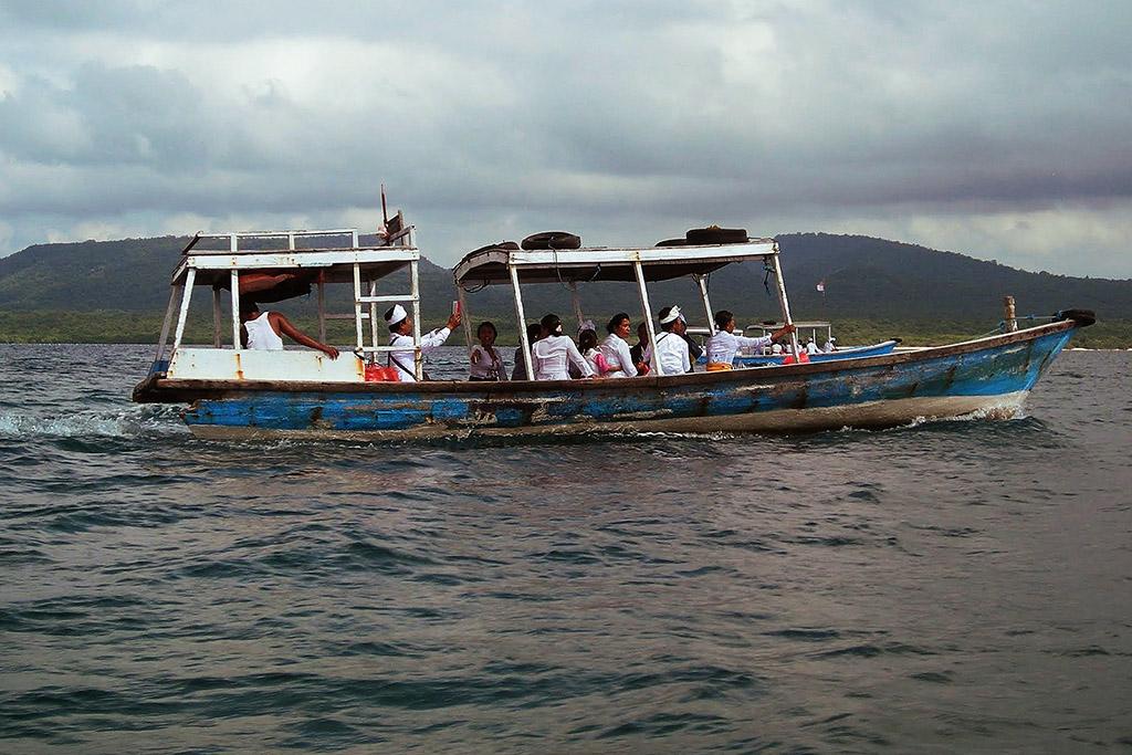 People in a boat at Lovina