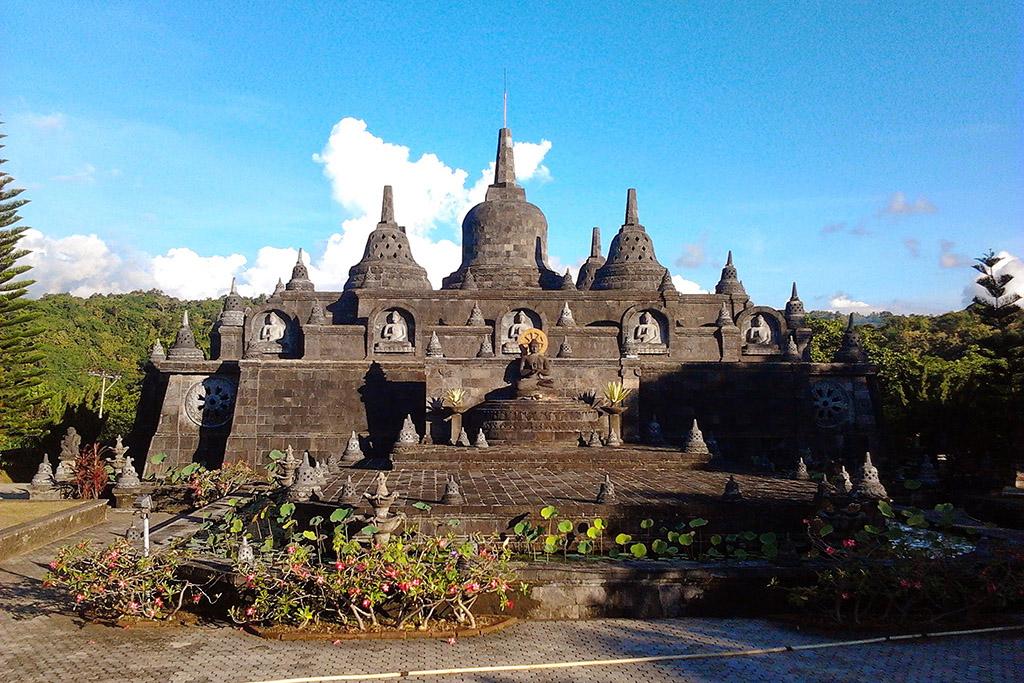 Banjar Singaraja Buddhist Temple