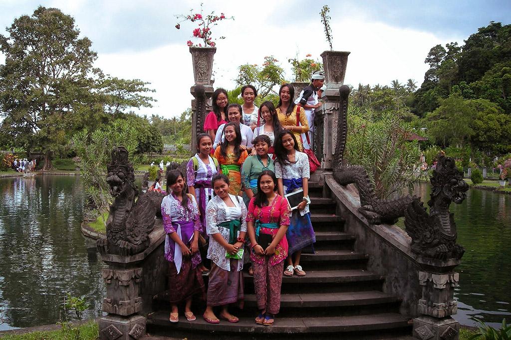 School girls at Taman Tirta Gangga